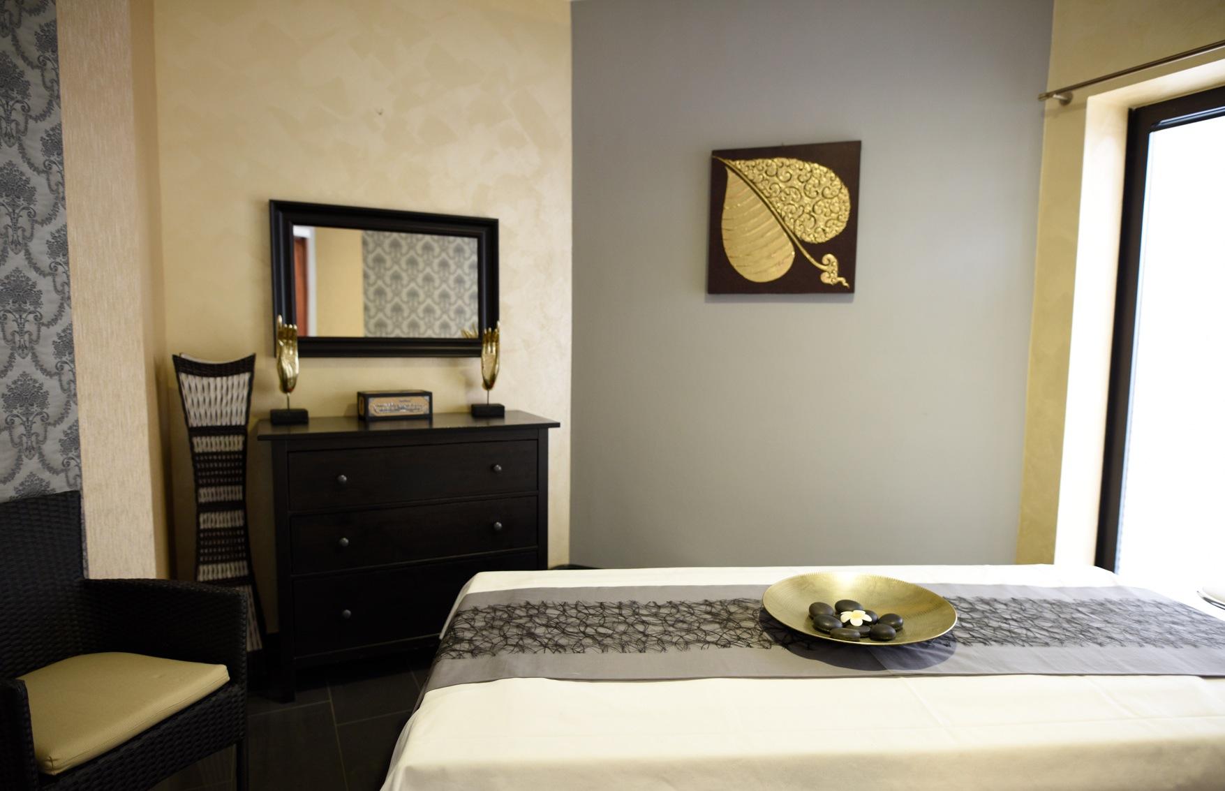 Trier body to body massage Home